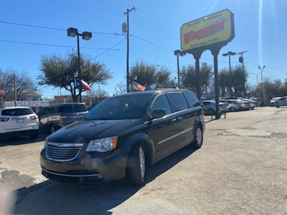 2015 Chrysler Town & Country Touring (2C4RC1BG8FR) with an 3.6L V6 DOHC 24V engine, 6-Speed Automatic transmission, located at 7512 C F Hawn Fwy, Dallas, TX, 75217, (214) 391-9600, 32.719147, -96.691788 - Photo #0
